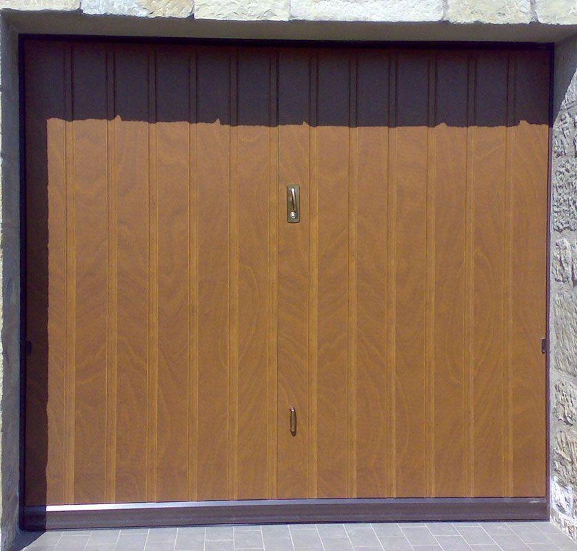 Portoni garage basculanti - Basculante con porta pedonale prezzo ...
